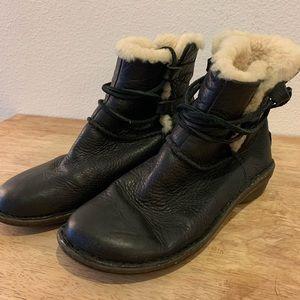 UGG Australia | Leather & Sheep Wool Boots | 8